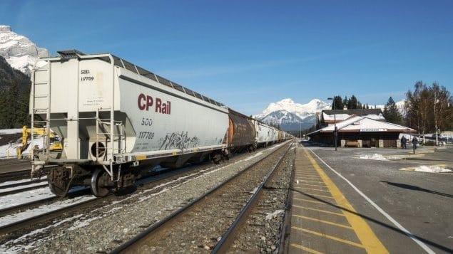 السكك الحديدية الكندية تطور قطار يعمل بالهيدروجين