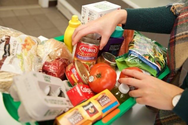 بنوك الطعام الكندية حذرة و قلقة بشأن الزيادة المحتملة فى الطلب