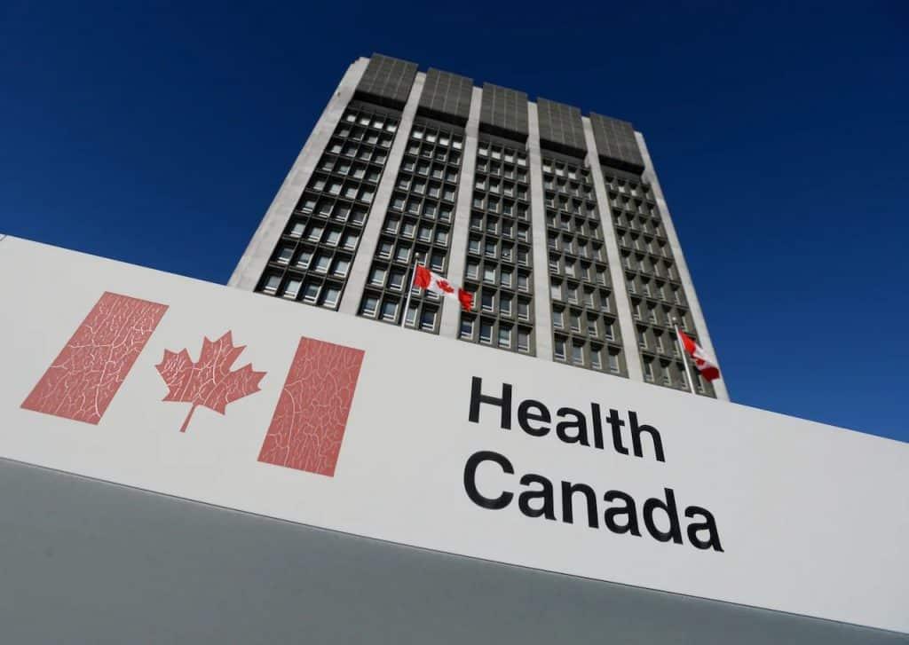 تصدر الحكومة الكندية تحذير من معدات الوقاية الشخصية غير المرخصة
