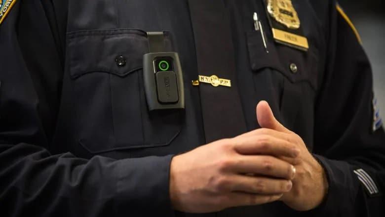 سيبدأ ضباط شرطة الخيالة الكندية فى إرتداء كاميرات الجسد