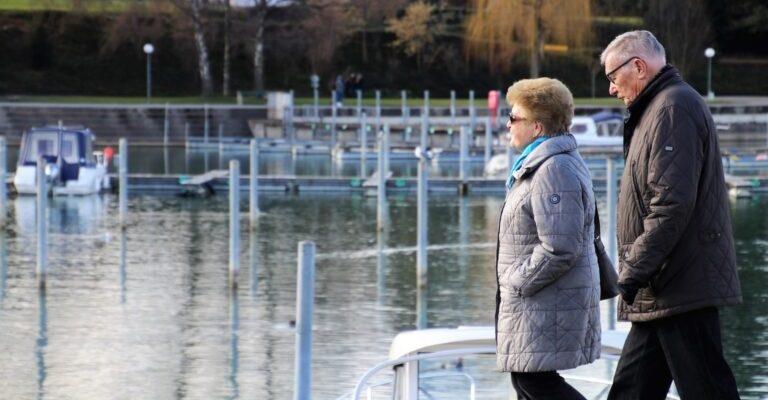 كندا تؤجل سحب الهجرة للآباء والأجداد ديسمبر 2020