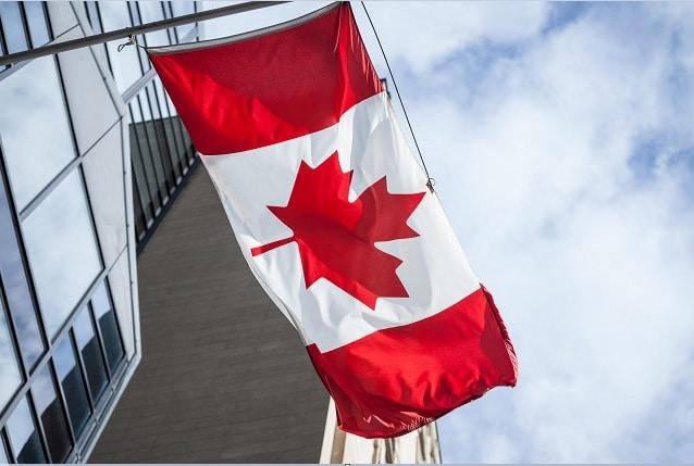 لا يزال المقيمون الدائمون المعتمدون ممنوعين من القدوم إلى كندا