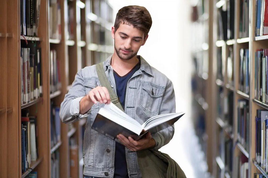 يسمح لمزيد من الجامعات الكندية بالترحيب بالطلاب الدوليين