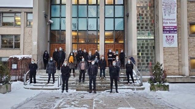 إحتجاج المعلمون فى كيبيك على اتخاذ القرار المتعلق بالجائحة