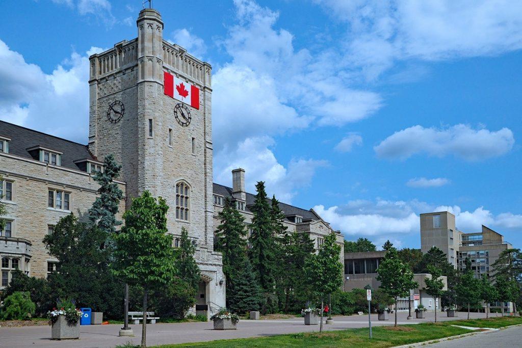 الطلاب الدوليون غير القادرين على تلبية متطلبات الخبرة العملية الكندية على لهم فرصة أخرى
