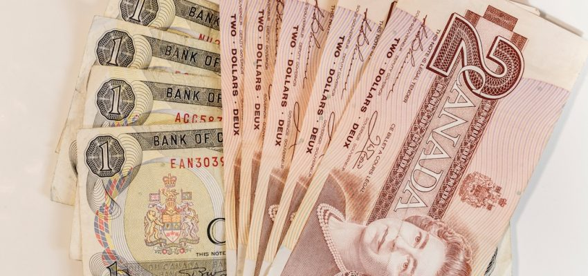 تفقد الأوراق النقدية الكندية القديمة حالة الإنفاق القانونى