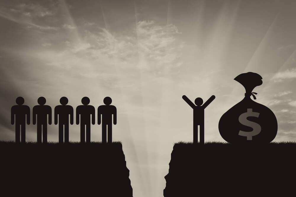 تقرير المدراء التنفيذيون الأعلى أجرا يكسبون 202 مرة أكثر من متوسط العمال