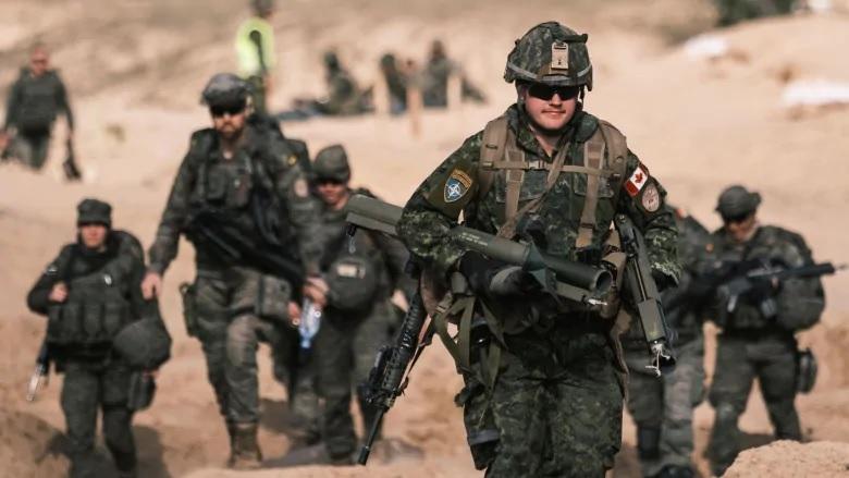 لاتفيا تقلل من شأن حالات كوفيد-19 فى القضايا العسكرية الكندية فى قاعدة البلطيق