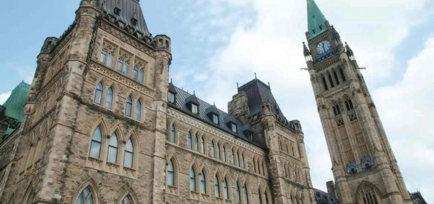 وزير الهجرة الكندى يقدم رؤى جديدة حول نظام الهجرة فى كندا