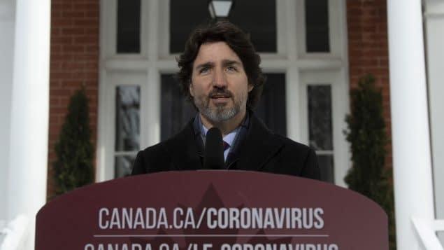 يسعى ترودو إلى طمأنة الكنديين بشأن جهود التطعيم