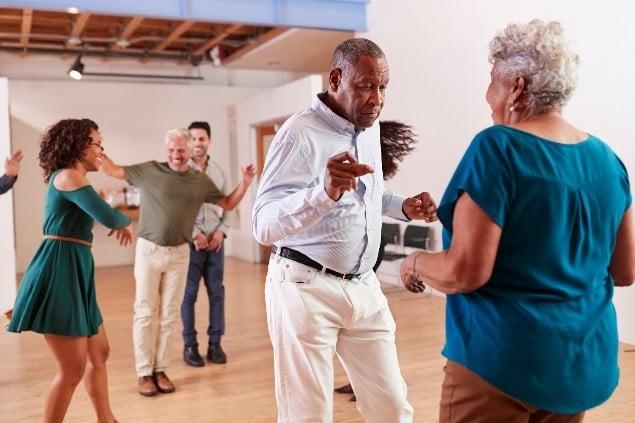 إطلاق مشاريع لتعزيز الشيخوخة الصحية في كندا