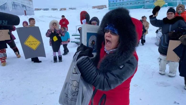 احتجاجات التوسع في منجم القطب الشمالي في جميع أنحاء نونافوت