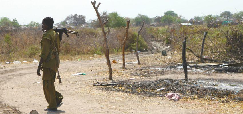العنف يجتاح جنوب السودان بينما تحذر الأمم المتحدة من مجاعة وشيكة