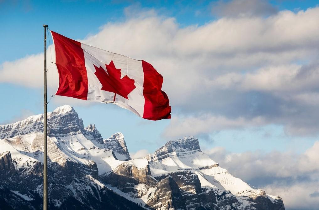 تحتفل كندا بمرور 56 عام على علم مابل ليف