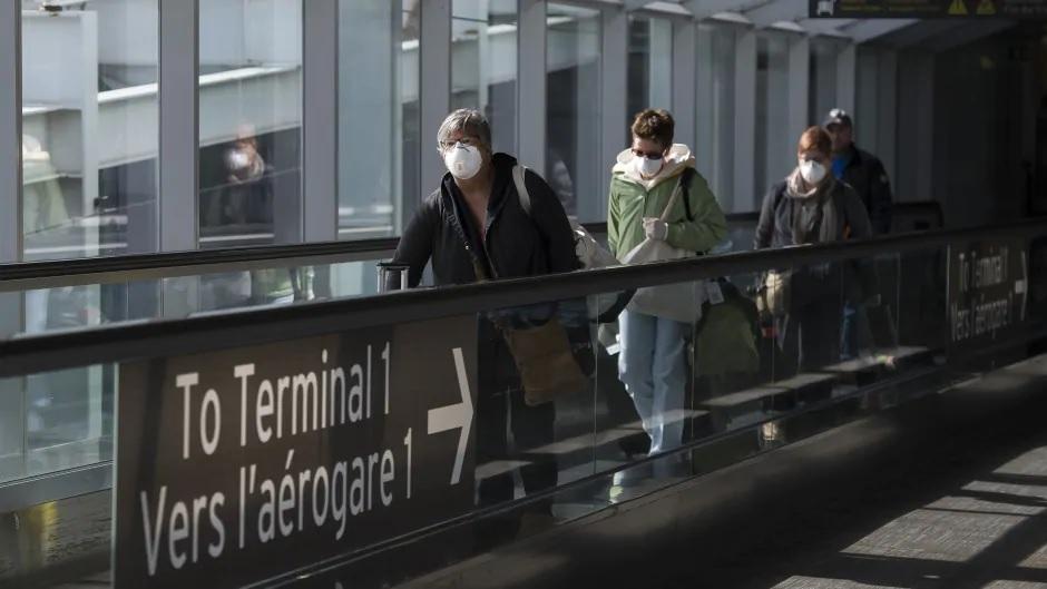 تمدد كندا قيود السفر لمدة شهر واحد للمسافرين من الولايات المتحدة وشهرين لأي شخص آخر
