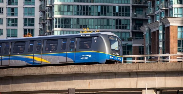 رئيس الوزراء ترودو يقدم 14.9 مليار دولار إلى مشاريع النقل العام في كندا