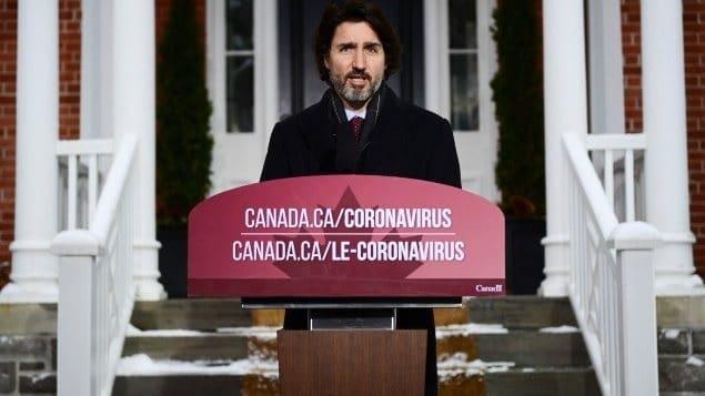 رئيس الوزراء يسعى لطمأنة الكنديين بشأن تأخير اللقاح