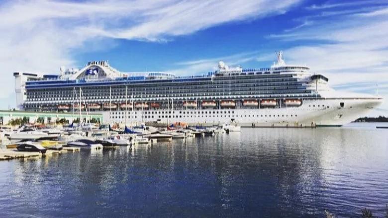 سفن الرحلات البحرية في المياه الكندية محظورة حتى فبراير 2022