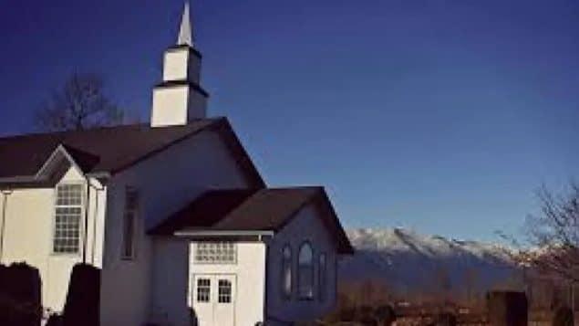 وصلت معركة على خدمات كنيسة إلى ذروتها في كولومبيا البريطانية