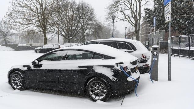 يخطط العديد من الكنديين شراء سيارات كهربائية  إستطلاع كندى