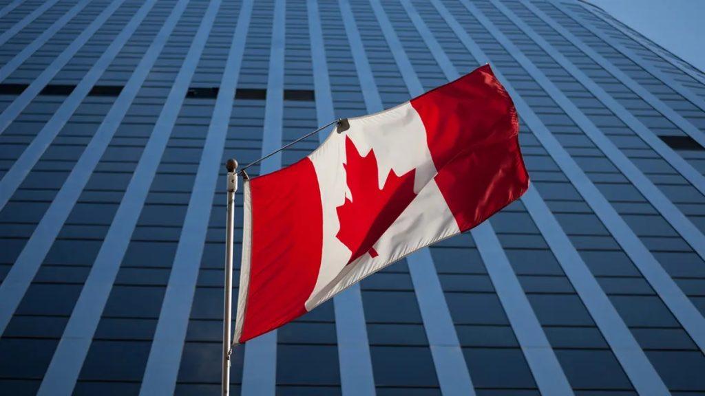 مزيد من الوقت للزوار للتقدم بطلب للحصول على تصاريح عمل داخل كندا