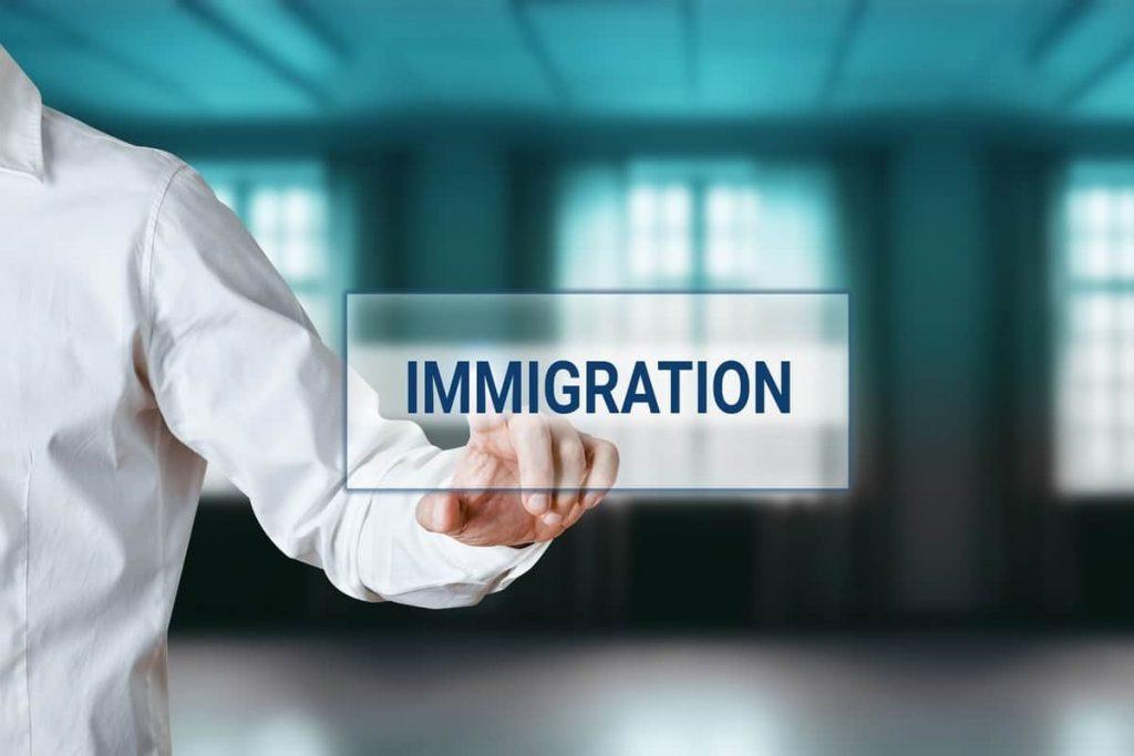 ستدعم الهجرة اقتصاد أونتاريو وكيبيك أثناء الوباء وما بعده