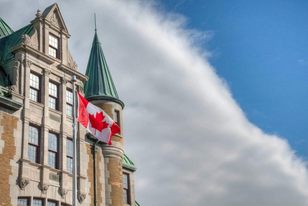 كندا تحطم الرقم القياسى و تتطلع إلى تحقيق هدف الهجرة 401000 مهاجر