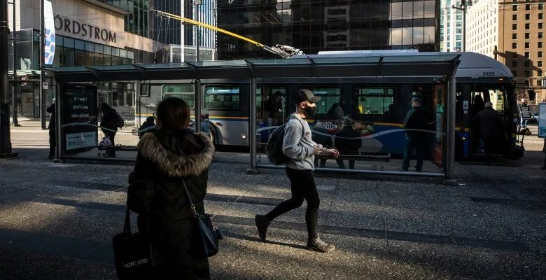 لمواجهة أزمة كوفيد-19 المتزايدة يغلق رئيس الوزراء أونتاريو للأسابيع الأربعة المقبلة