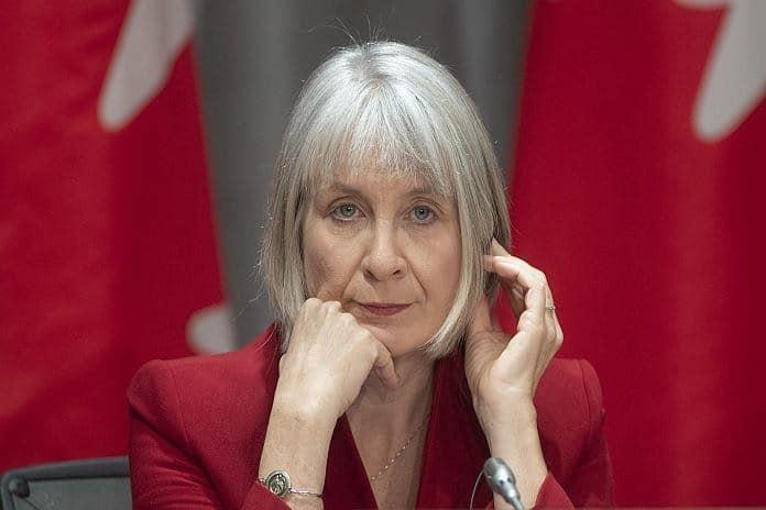وزيرة الصحة  هذا ليس وقت السفر حيث تدخل كندا الموجة الثالثة