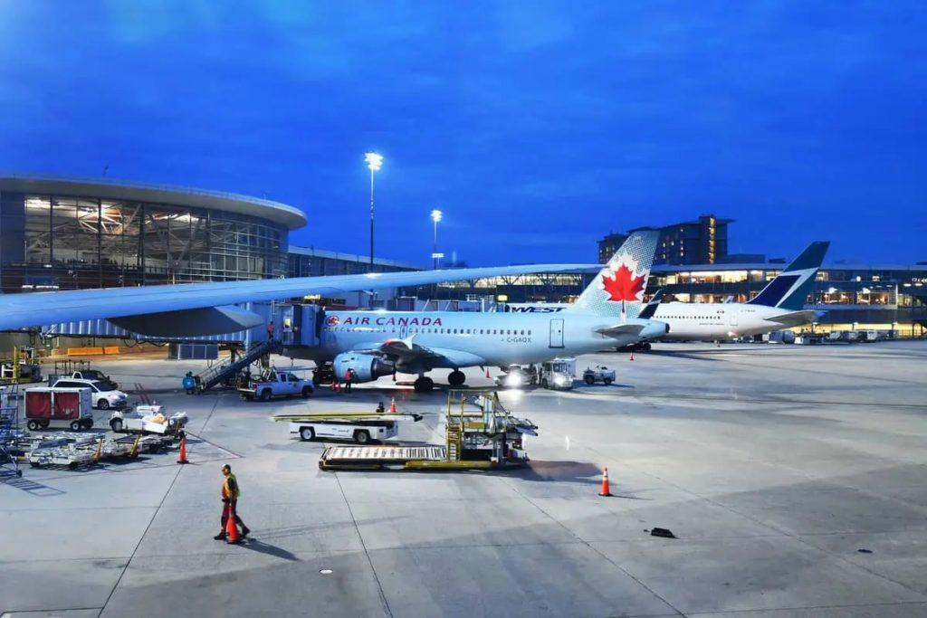 مد قيود السفر إلى كندا حتى 21 يونيو
