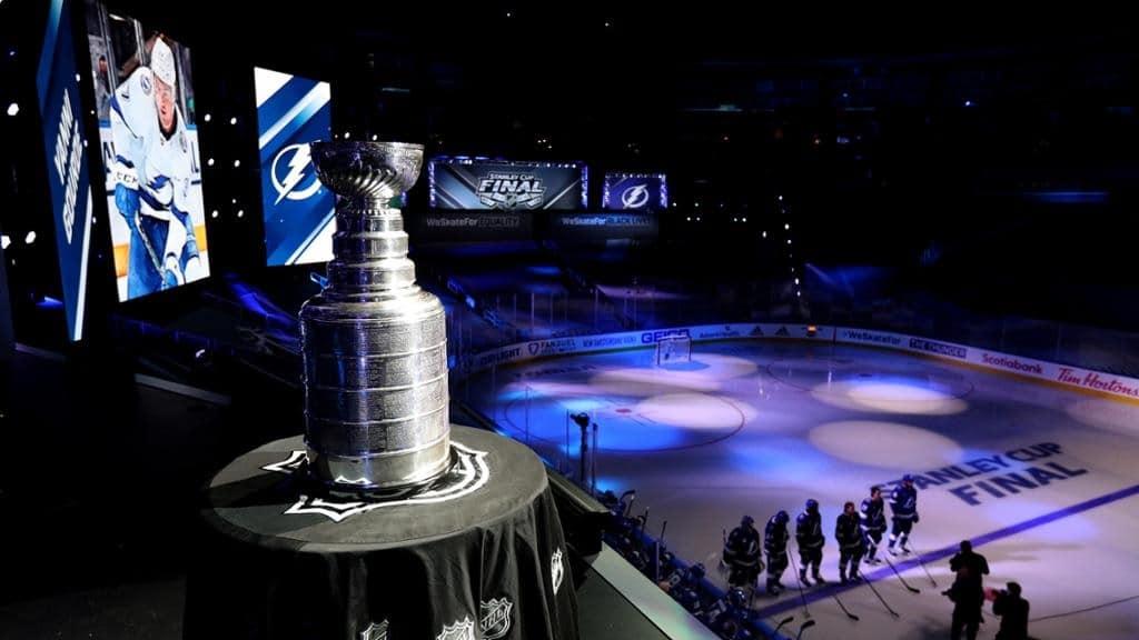 كندا توافق على إعفاء السفر للاعبى NHL